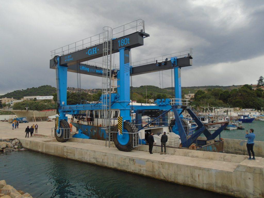 Portique automoteur marine 180 T